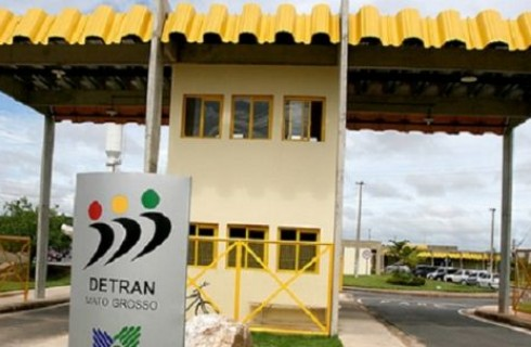 Empresa alvo do Gaeco notifica Taques a anular intervenção no Detran