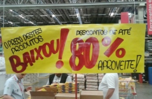 "Extra Supermercado é notificado pelo Procon por vender produtos vencidos no ""Black Friday"""